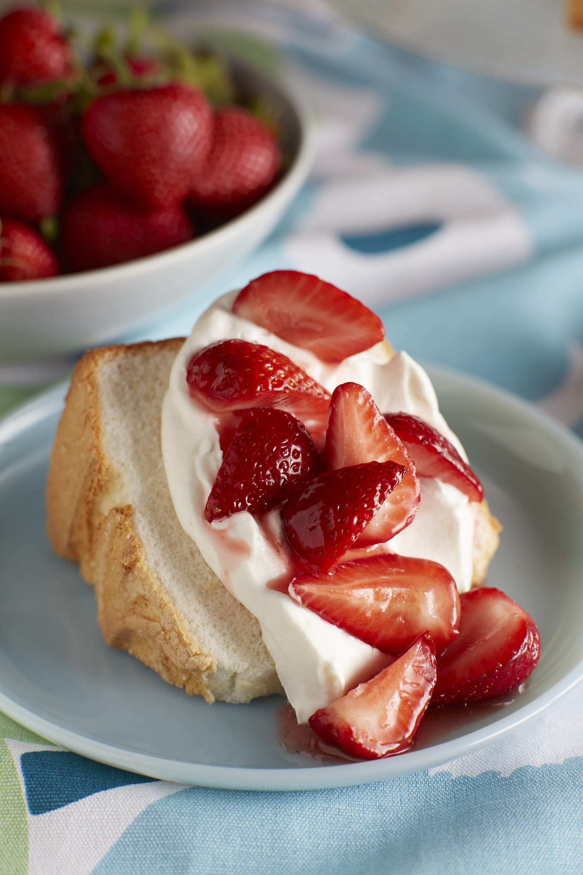Strawberry Shortcake Cupcakes With Angel Food Cake