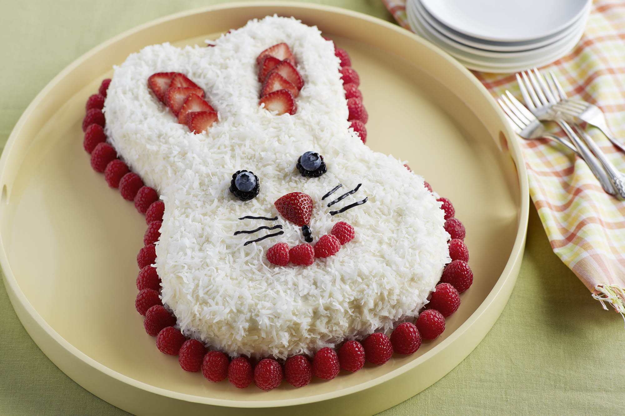 berrylicious bunny cake. Black Bedroom Furniture Sets. Home Design Ideas