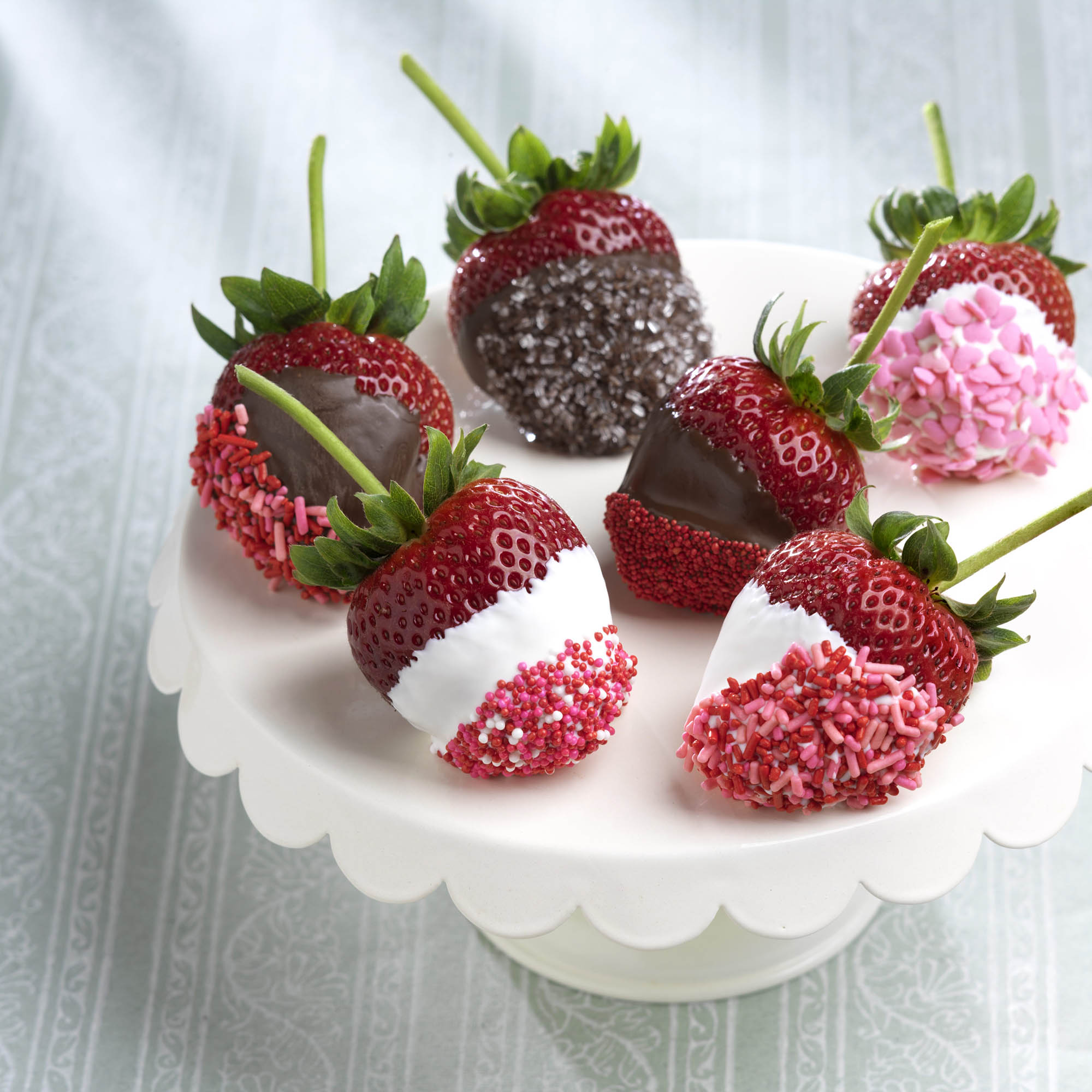 White Chocolate Covered Strawberries Valentines Day